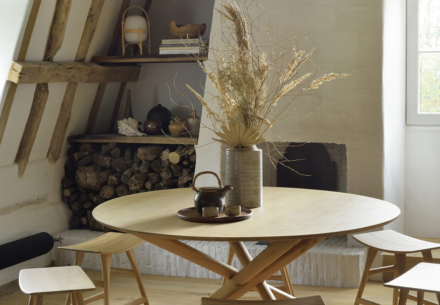 50545 Mikado round dining table 53033 53035 Oak Osso stool vertical