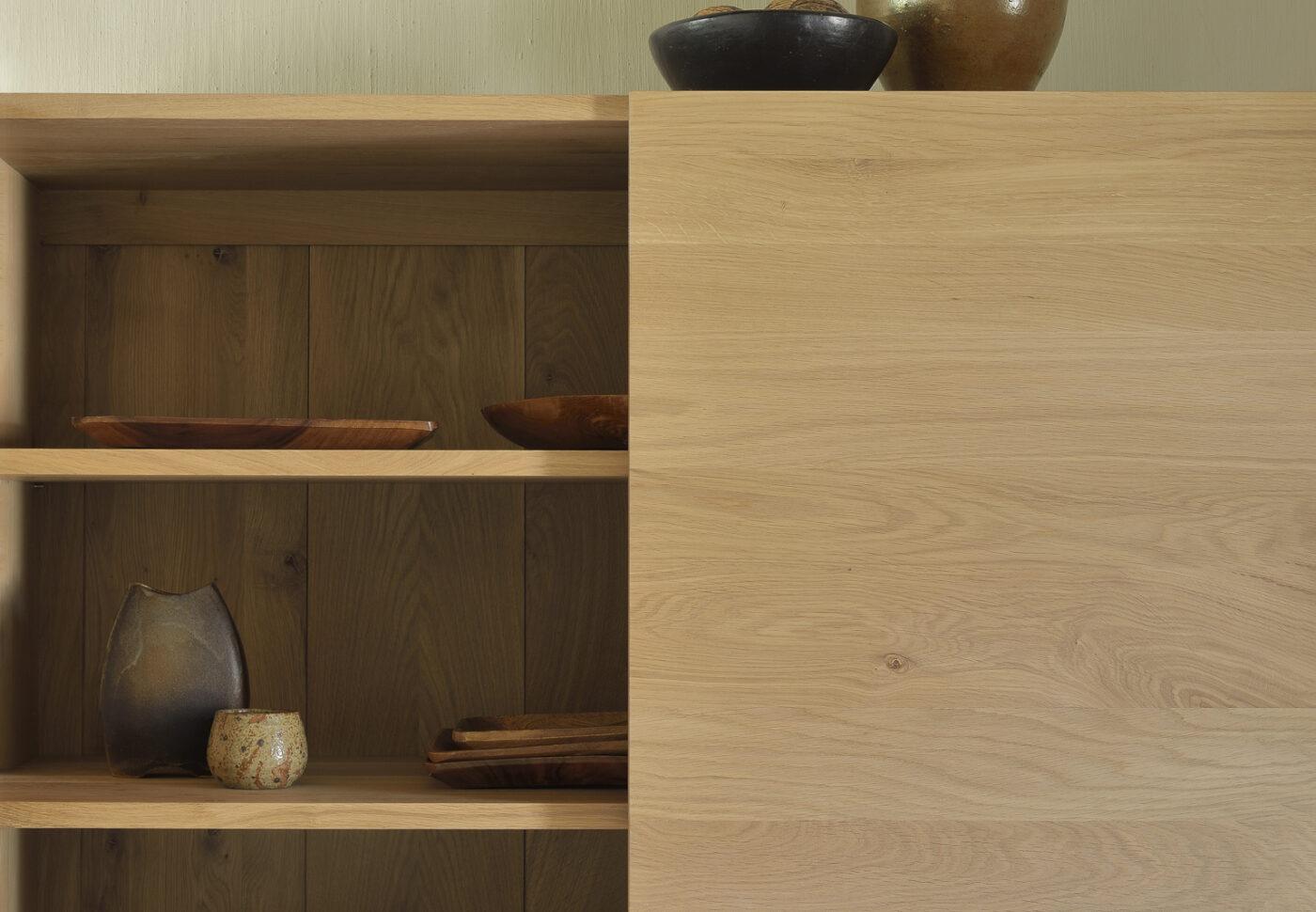 51117 Oak Ligna storage cupboard det1 WEB