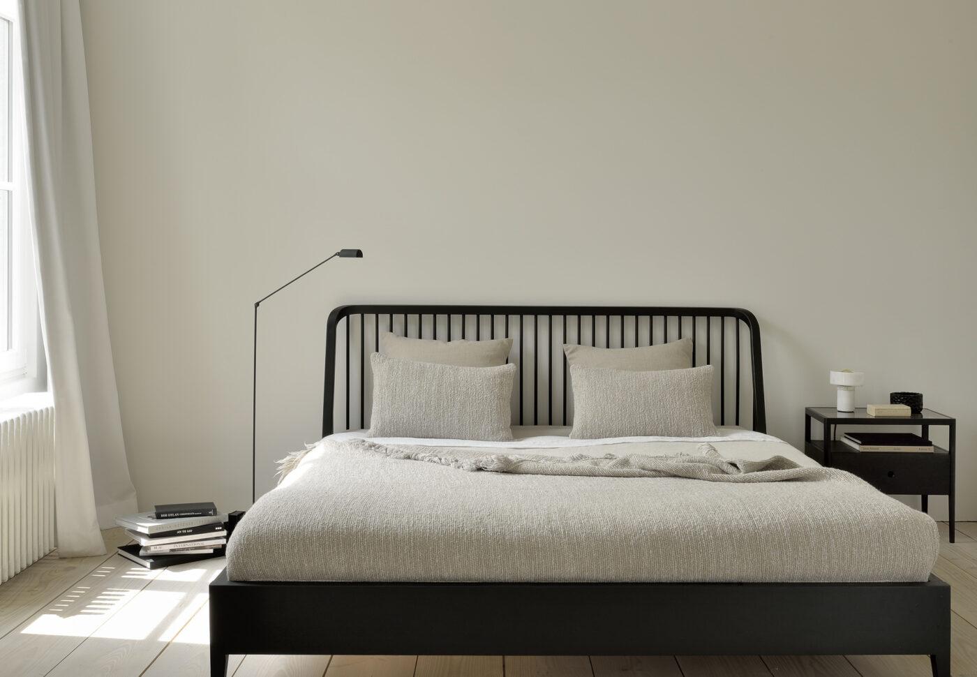 51236 51235 Oak black Spindle bed bedside table